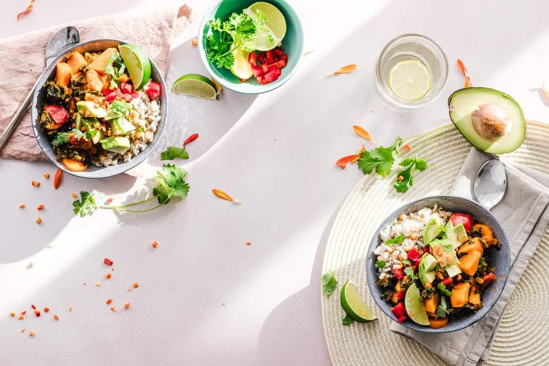 Photo of 39 מזונות דלי פחמימות שכדאי לכם לאכול (מושלם לדיאטה)