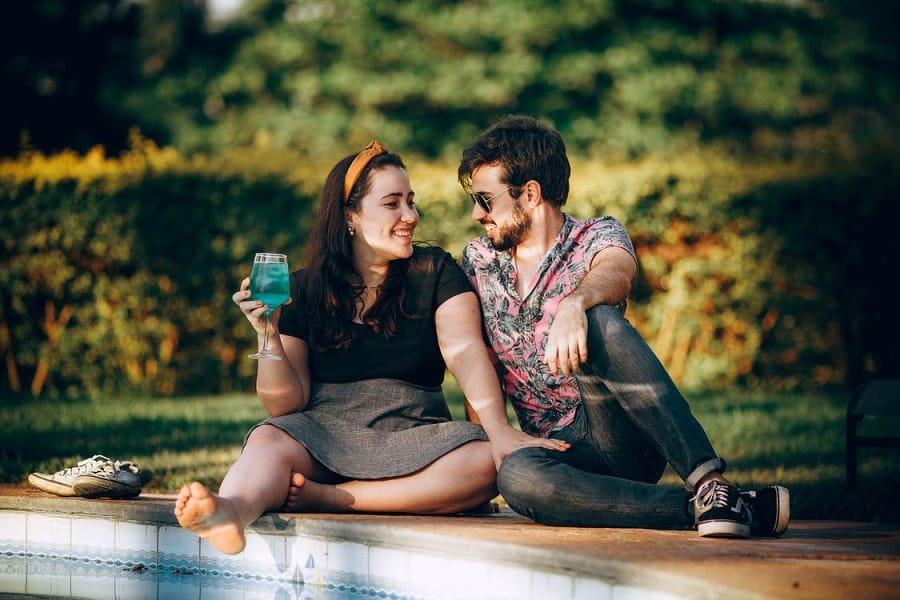 זוג צעיר שעבר ניקוי רעלים בהצלחה ועכשיו מרגיש מעולה